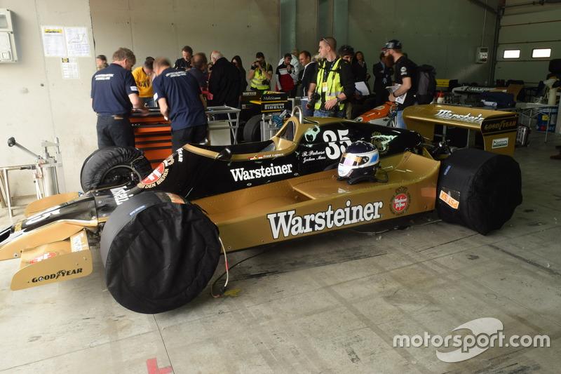 Arrows A1 van Riccardo Patrese en Jochen Mass