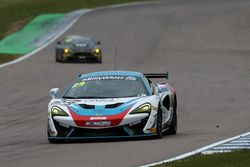 Marcus Hoggarth, Matthew Graham, In2Racing, McLaren 570S GT4