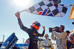 Il vincitore della gara Jordan Taylor, Wayne Taylor Racing