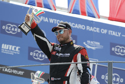 Podium: Rob Huff, All-Inkl Motorsport, Citroën C-Elysée WTCC