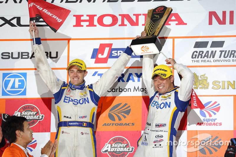 Podium GT500: race winners #64 Nakajima Racing Honda NSX Concept GT: Bertrand Baguette, Kosuke Matsuura