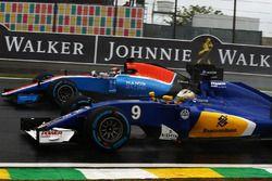Marcus Ericsson, Sauber C35 y Pascal Wehrlein, Manor Racing MRT05