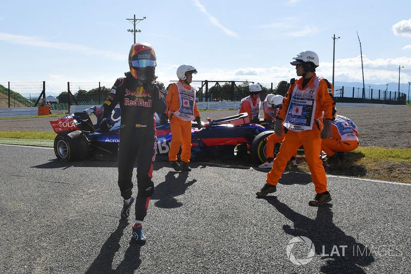Carlos Sainz Jr., Scuderia Toro Rosso, ritirato dalla gara