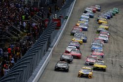 Start: Kyle Busch, Joe Gibbs Racing Toyota, leads