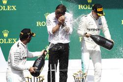 Lewis Hamilton, Mercedes AMG F1, celebrates his victory on the podium, Valtteri Bottas, Mercedes AMG F1