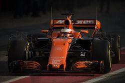 Stoffel Vandoorne, McLaren MCL32 running sensor equipment