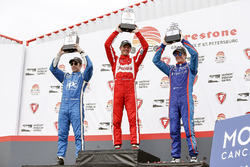 Podium: second place Simon Pagenaud, Team Penske Chevrolet, race winner Sébastien Bourdais, Dale Coy