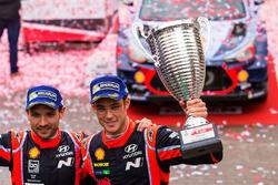 الفائزين بالرالي تييري نوفيل ونيكولاس غيلسول، هيونداي آي20كوبيه دبليو آر سي، هيونداي موتورسبورت
