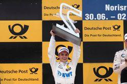Podium: segundo, Lucas Auer, Mercedes-AMG Team HWA, Mercedes-AMG C63 DTM