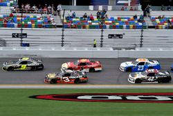 William Byron, JR Motorsports Chevrolet y Ty Dillon, Richard Childress Racing Chevrolet