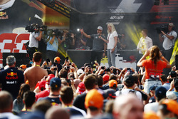 Stoffel Vandoorne, McLaren, on stage in the F1 Fanzone