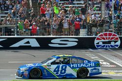 Jimmie Johnson, Hendrick Motorsports Chevrolet's crew celebrates after winning