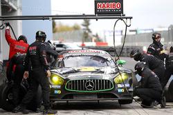 Pit stop, #8 Haribo Racing Team, Mercedes-AMG GT3: Uwe Alzen, Lance David Arnold, Maximilian Götz, R