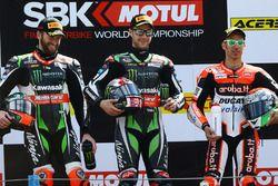 Podium: race winner Jonathan Rea, Kawasaki Racing, second place Tom Sykes, Kawasaki Racing, third place Marco Melandri, Ducati Team