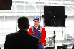 Fernando Alonso, Andretti Autosport Honda, speaks to the media