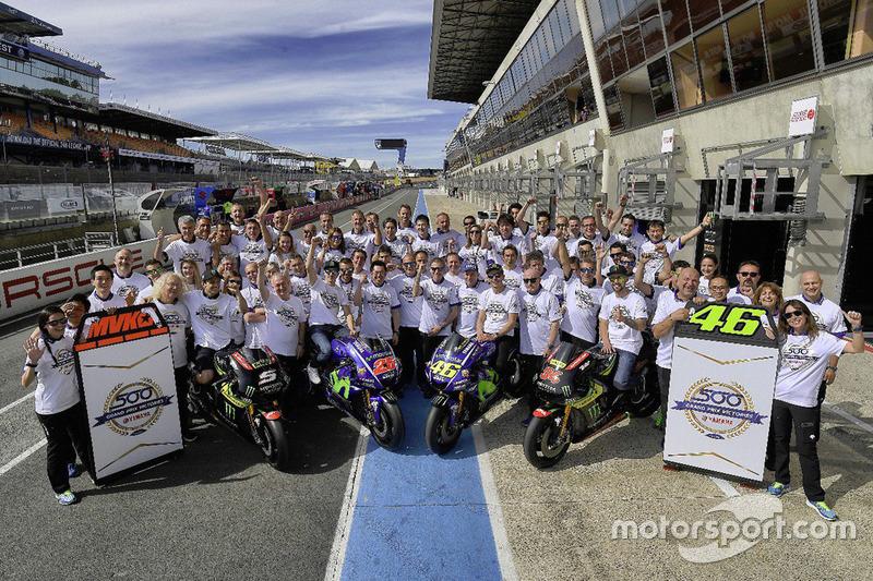 Валентино Росси и Маверик Виньялес, Yamaha Factory Racing, Жоан Зарко и Йонас Фольгер, Monster Yamah