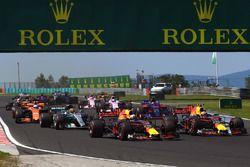 Daniel Ricciardo, Red Bull Racing RB13 and Max Verstappen, Red Bull Racing RB13 at the start of the race