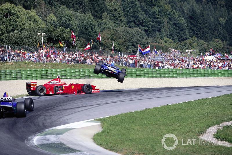 Jean Alesi, Eddie Irvine, 1997