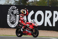 Il vincitore Chaz Davies, Ducati Team