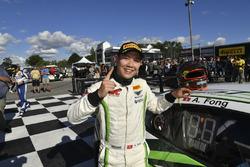 Ganador de la carrera Adderly Fong, Absolute Racing