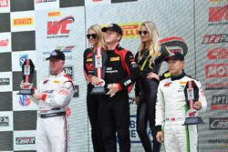 Podio: il vincitore Patrick Long, Wright Motorsports, il secondo classificato Adderly Fong, Absolute