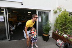 Jolyon Palmer, Renault Sport F1 Team conoce a una fan