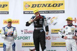 Podium: 1. Ashley Sutton, Team BMR, Subaru Levorg; 2. Tom Ingram, Speedworks Motorsport, Toyota Aven