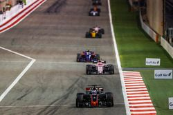 Romain Grosjean, Haas F1 Team VF-17; Esteban Ocon, Force India VJM10; Carlos Sainz Jr., Toro Rosso S