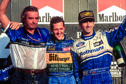 1. und Weltmeister Michael Schumacher, Benetton; 3. Damon Hill, Williams; Flavio Briatore, Benetton,