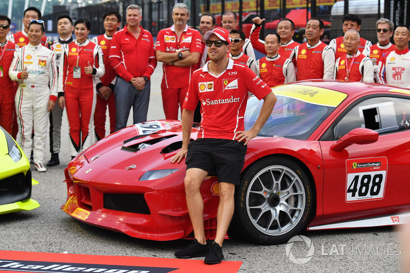 Sebastian Vettel, Ferrari, Maurizio Arrivabene, Team Principal Ferrari, i piloti del Ferrari Challenge Asia Pacific 2017