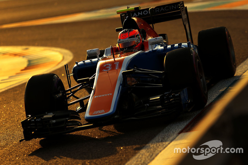 Esteban Ocon: 50 Grand Prix'nin 28'inden puanla ayrıldı