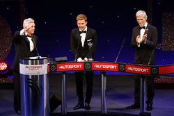 World Champion Nico Rosberg, Mercedes AMG F1 accepts his award, Damon Hill