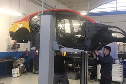 Lavori sulla Chevrolet RML Cruze TC1 della ROAL Motorsport