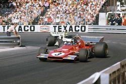 Jacky Ickx, Ferrari 312B3 leads Wilson Fittipaldi, Brabham BT42 Ford