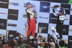 Podyum: 1. Jari-Matti Latvala, Toyota Racing ve 3. Sébastien Ogier, M-Sport