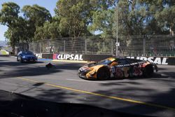 Crash: #7 Darrell Lea Aston, Martin Vantage GT3: Tony Quinn