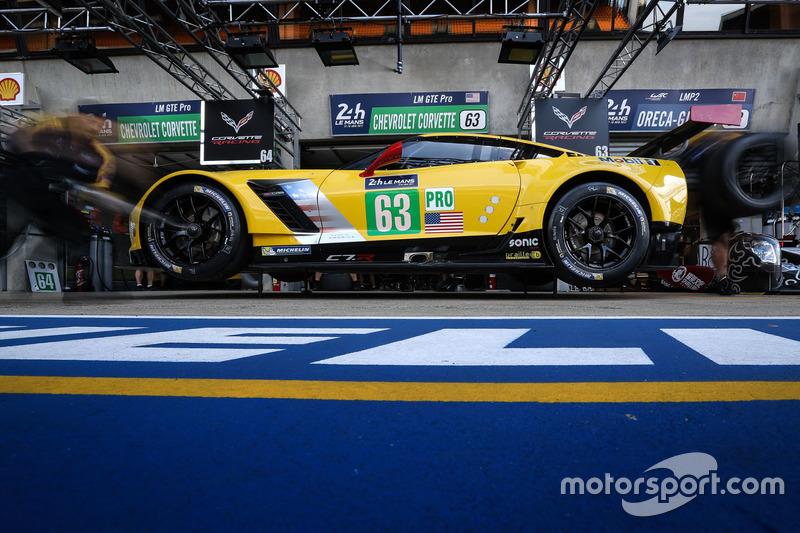37°: #63 Corvette Racing Corvette C7.R: Jan Magnussen, Antonio Garcia, Jordan Taylor