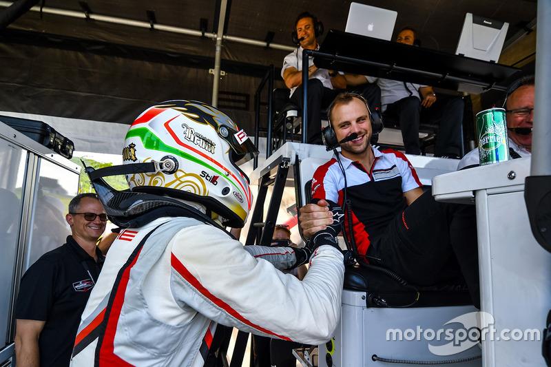 Ganador de la pole Gianmaria Bruni, Laurens Vanthoor, Porsche Team