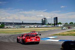 #76 TA3 Chevrolet Corvette, Preston Calvert, Phoenix Performance, #5 TA3 Porsche 997, Milton Grant,