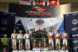 LMGTE Am podio: ganadores Paul Dalla Lana, Pedro Lamy, Mathias Lauda, Aston Martin Racing, segundo M