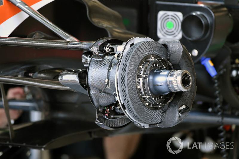 McLaren MCL32 front brake and wheel hub detail
