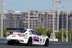 #90 Scuderia Villorba Corse Maserati MC GT4: Giuseppe Fascicolo, Csaba Mor, Thomas Herpell
