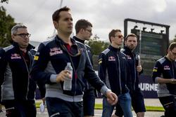 Daniil Kvyat, Scuderia Toro Rosso lors de la reconnaissance du circuit