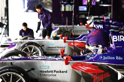 Sam Bird, DS Virgin Racing, Alex Lynn, DS Virgin Racing, dans le garage