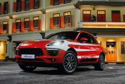 Porsche Macan with classic motorsport livery