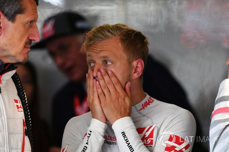 Руководитель Haas F1 Team Гюнтер Штайнер и гонщик Кевин Магнуссен