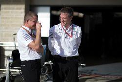Simon Cole, Capo ingegnere di pista Mercedes AMG F1 e James Allison, Direttore Tecnico Mercedes AMG F1