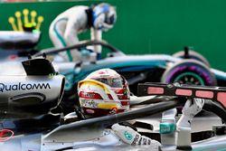 Lewis Hamilton, Mercedes-AMG F1 W09 EQ Power+ and Valtteri Bottas, Mercedes-AMG F1 W09 EQ Power+ in parc ferme