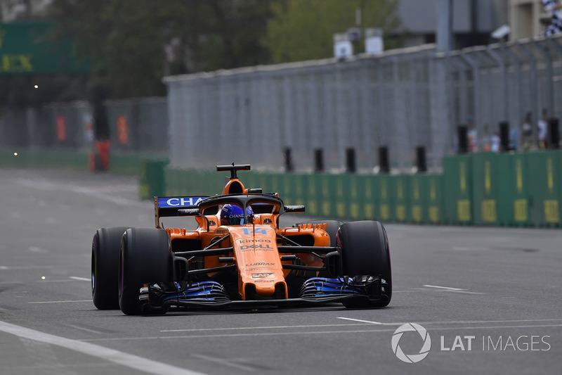 Fernando Alonso, McLaren MCL33 chispas
