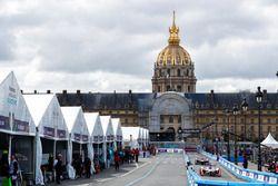 Felix Rosenqvist, Mahindra Racing, sale de pits